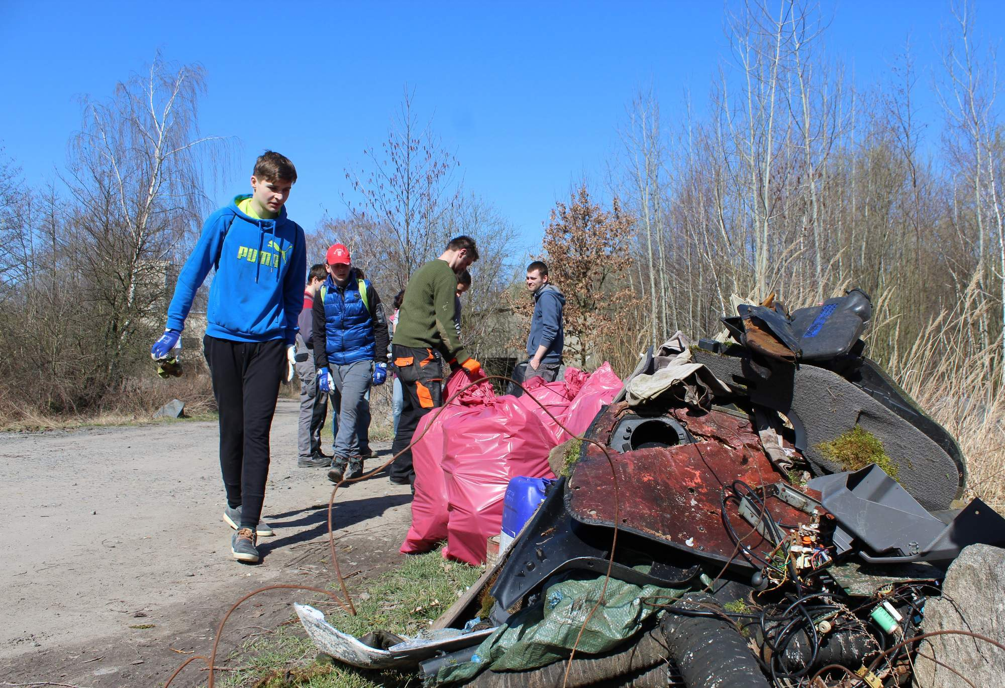 Volunteers collected about 14 cubic meters of waste. author: Rudolf Požár