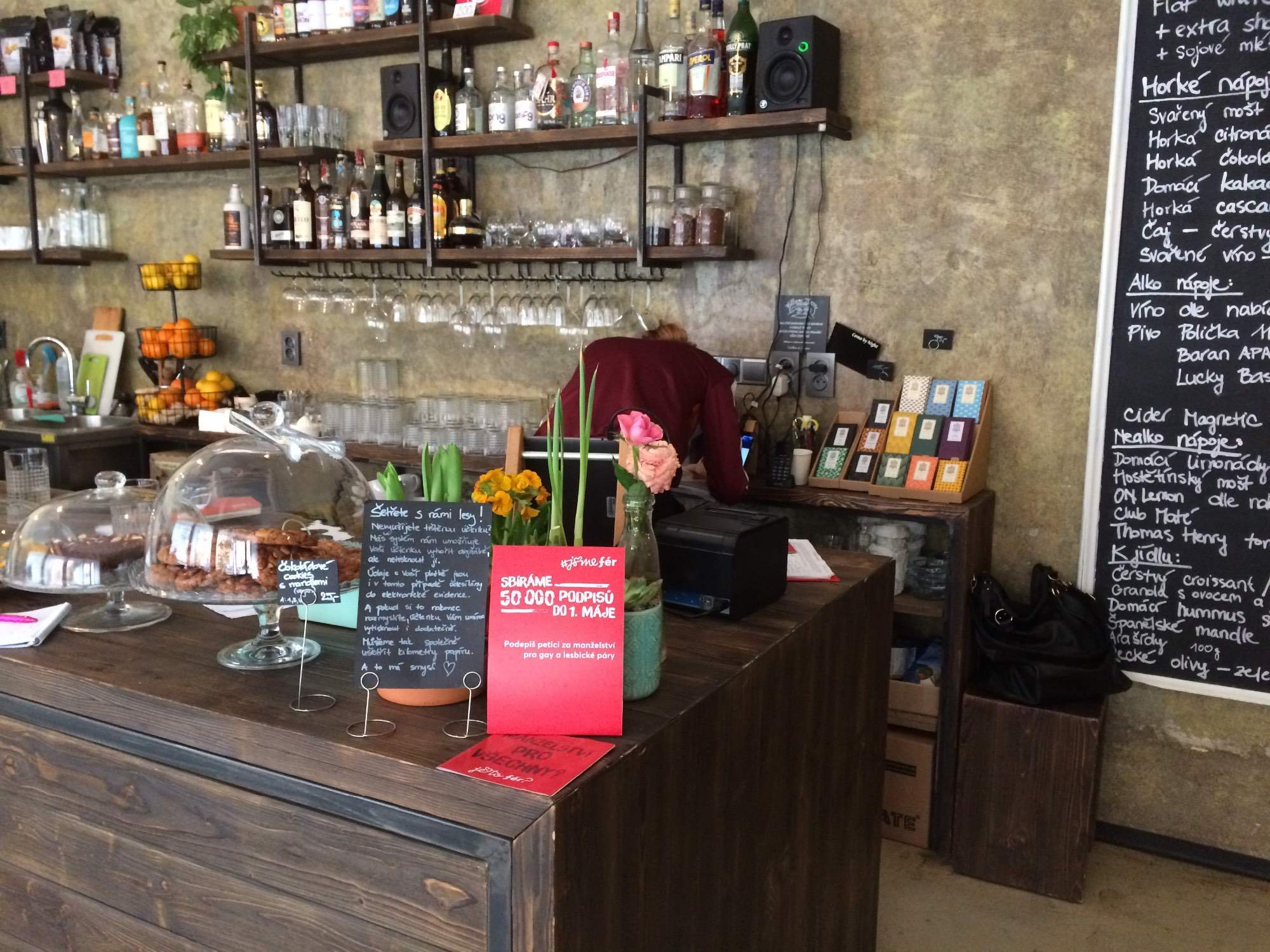 Jedna z kaváren podporující kampaň