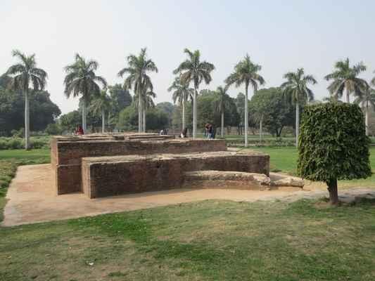 Hammam Khana (lázeňský dům) v Purana Qila