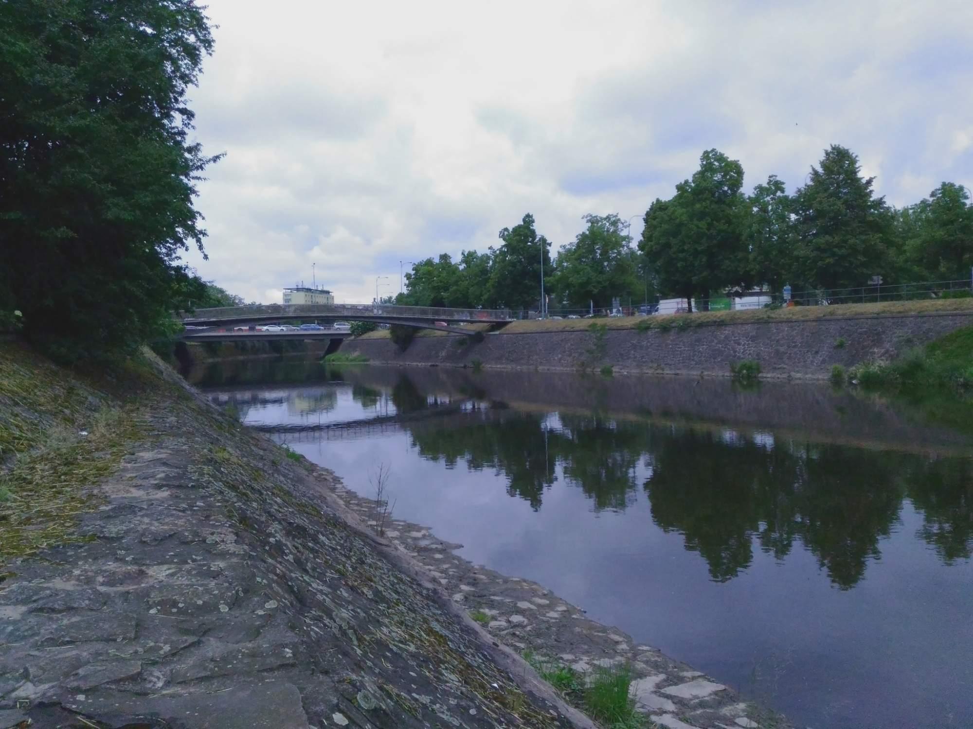 V rámci výstavby protipovodňových opatření dojde k rekonstrukci nábřeží řeky Svratky. Foto: Rudolf Požár