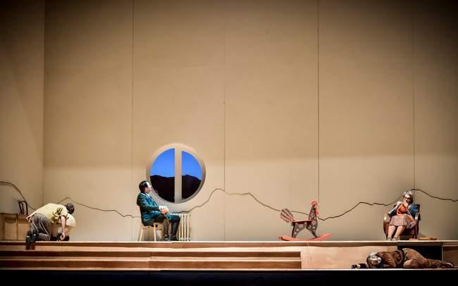 Scéna je inspirována dětským domovem Dagmar. Foto: Národní divadlo Brno