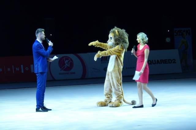 Nedělní program zakončila tematická Galashow moderovaná Zuzanou Petrů a Vladem Varechou. Foto: Jan Mazáč.