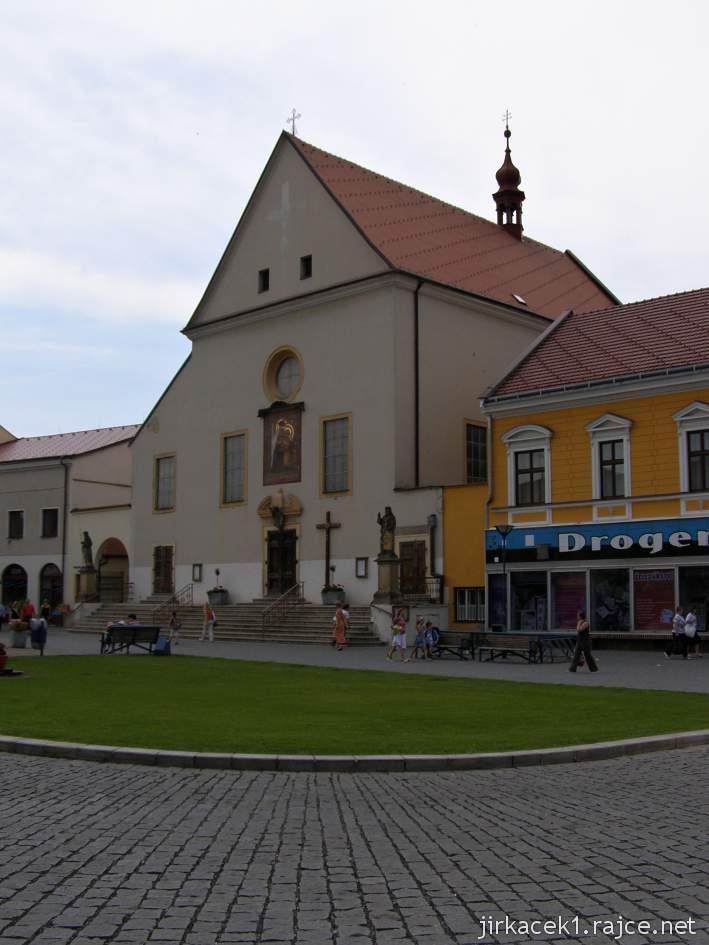 Kyjov - klášter kapucínů s kostelem Nanebevzetí Panny Marie a sv. Cyrila a Metoděje na náměstí