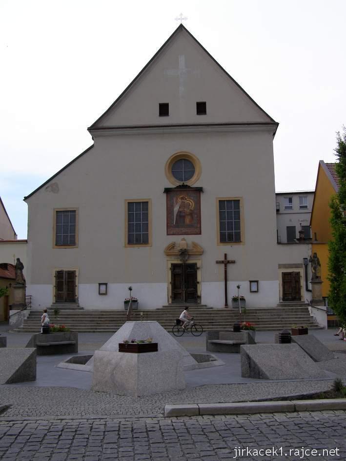 Kyjov - klášter kapucínů s kostelem Nanebevzetí Panny Marie a sv. Cyrila a Metoděje - čelní pohled