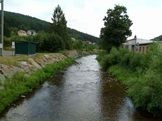 Procházka kolem Pecováku  (30) - Litavka s minimálním stavem vody.