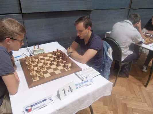 2. round. V. Parizek - GM Krysa.