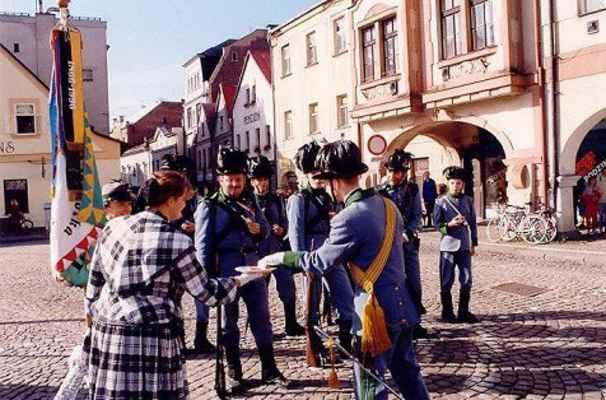 Litomysl 1998 - 6. prapor polních myslivců - Náchod internetová adresa: http://nachod.1866.cz/