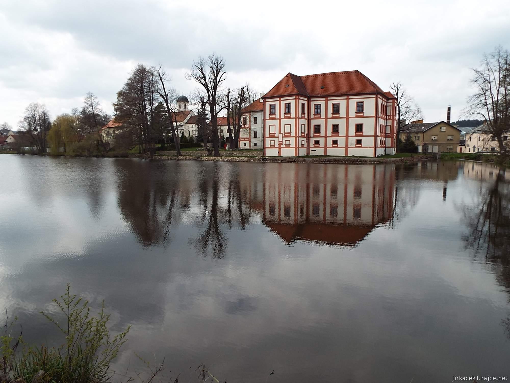 zámek Horní Cerekev