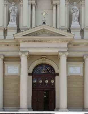 Katedrála byla otevřena, takže jsem nakoukla i dovnitř.