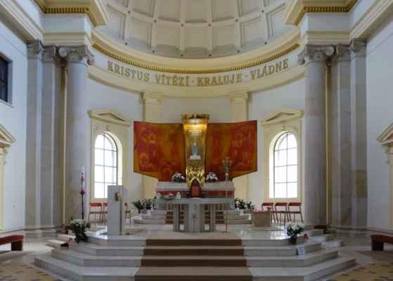 I novodobé oltáře mají své kouzlo.
