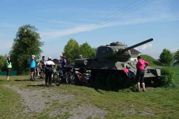 A samozřejmě jsme si prohlédli i dva tanky před srubem.