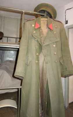 Důstojnická uniforma.