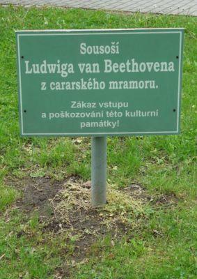 V centrální části parku pak stojí socha Ludwiga van Beethovena...